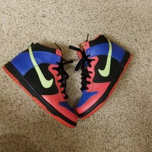 Nike High Top - Size 5.5 Youth